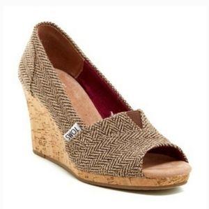 TOMS Women's Peep-Toe Wedge Size 7